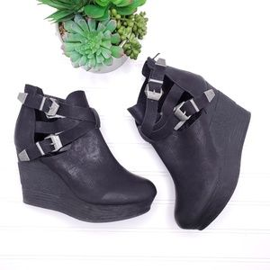 Sbicca Double Buckle Chunky Wedge Booties 8.5